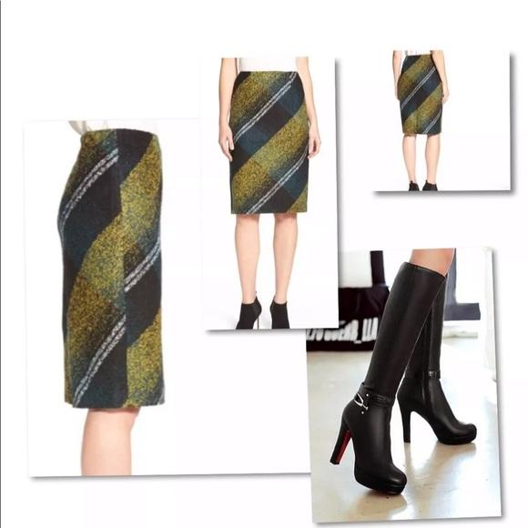 Classiques Entier Dresses & Skirts - CLASSIQUES ENTIER WOOL PLAID STRAIGHT SUIT SKIRT